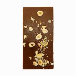 Млечен шоколад с лешници
